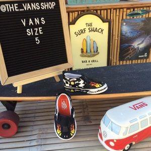Vans 🏁Race Car🏁 Black/Scarlet Sneak…